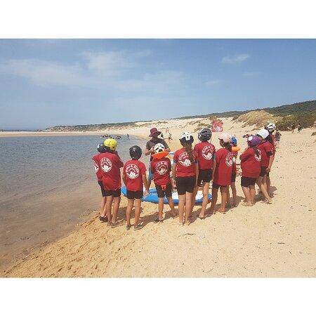 Iniciacion al windsurf y paddle surf para los niños de colegios e institutos. Más info & Booking: +34 661628385 www.windwaterexperience.com