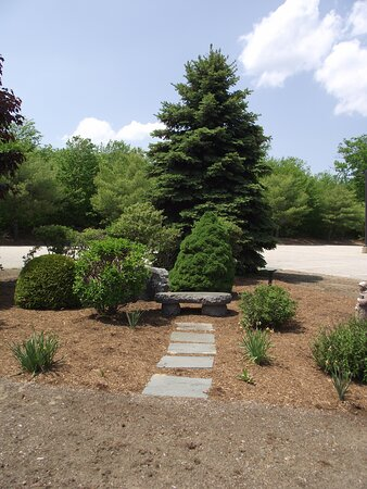 NH - ALTON - ST KATHARINE DREXEL – SEATING AREA IN THE PARKING LOT
