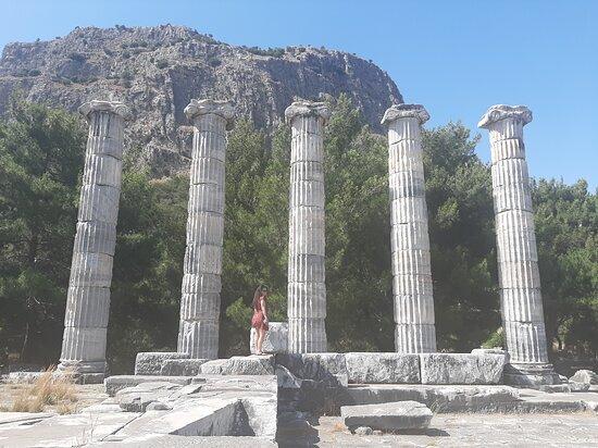 Athena tapınağı kalıntıları