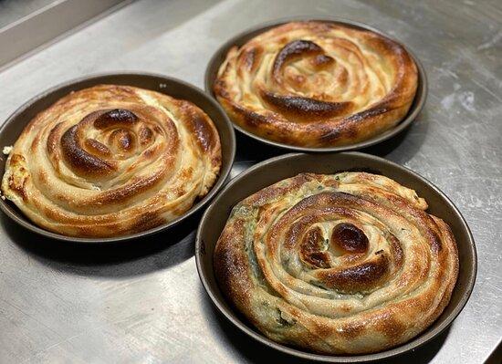 Moosburg, เยอรมนี: Treten Sie ein in unsere Restaurant Avlija und genießen Sie hausgemachten Balkan Spezialitäten.