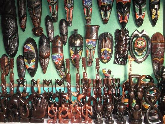 אקרה רבתי, גאנה: Art Market