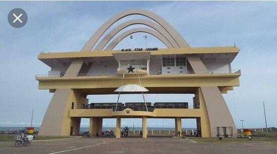 אקרה רבתי, גאנה: Black Star Square