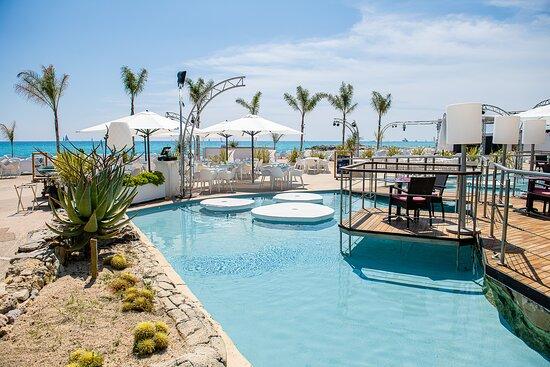 La Siesta Beach Club
