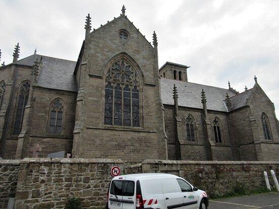 Eglise Saint-Yves de Louannec