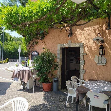Cunettone di Salo, Itália: INGRESSO RISTORANTE PIZZERIA MALIBU