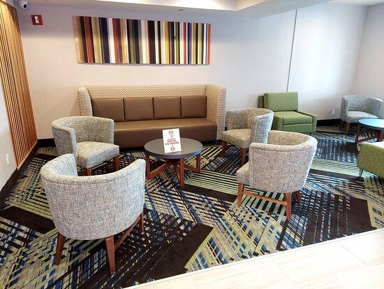 Maspeth, NY: Newly renovated lobby