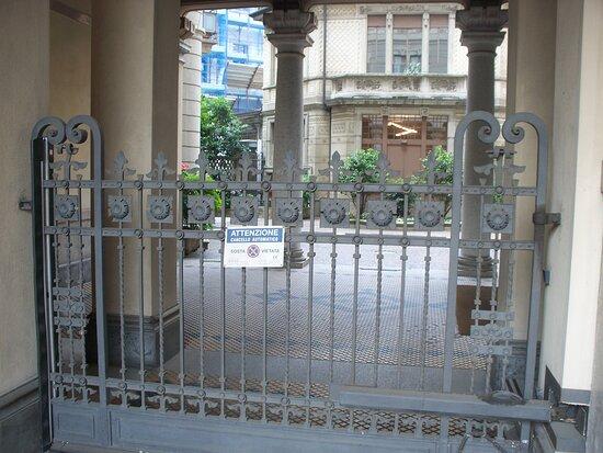 Palazzo Binda (piazza Conciliazione)