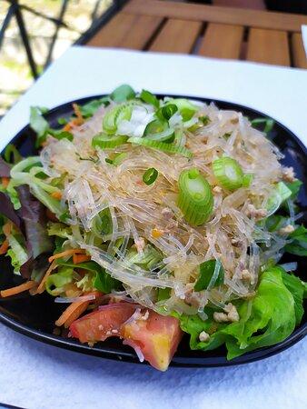 Salade de vermicelles et porc haché
