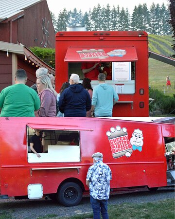 """Junction City, OR: Amazing food from the """"Cheesy Stuffed Burgers"""" big red truck at Pfeiffer Winery's """"Burger and Blues"""" event"""