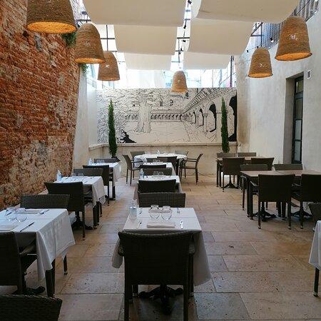 Cour intérieure du restaurant