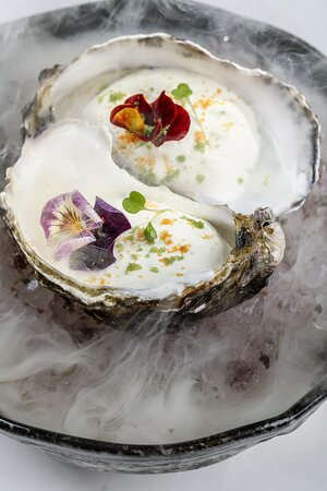 oyster & cocktail bar restaurant naousa paros