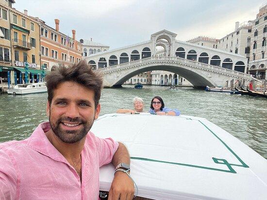 Private Hidden Venice & Grand Canal Boat Tour + Murano Glassblowing: Rialto Bridge