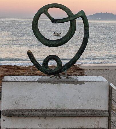 Escultura Origen y Destino