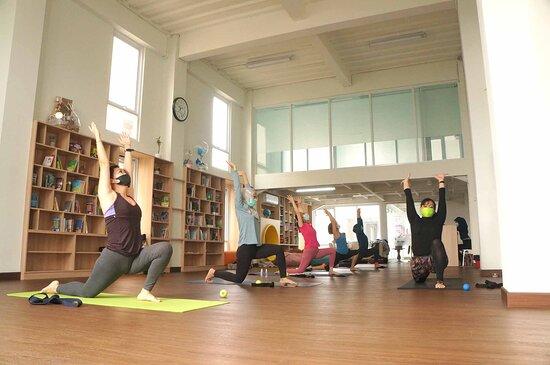 Elements Yoga Studio Bandung