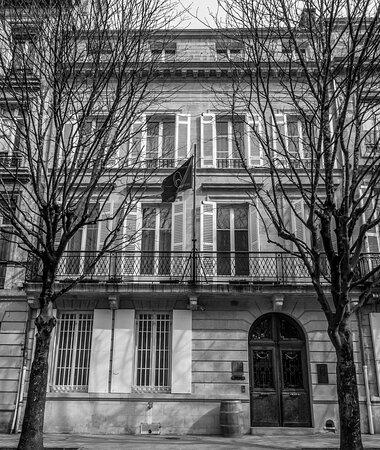 L'HOTEL DES QUINCONCES - L'HISTOIRE D'UN BATIMENT HISTORIQUE
