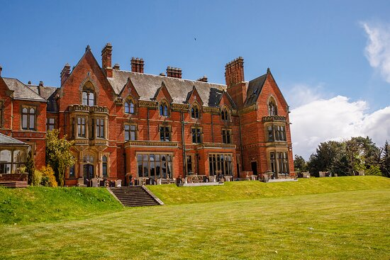 Wroxall, UK: Front View of Main Mansion