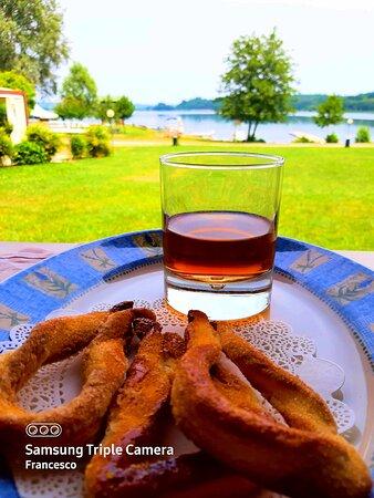 Pranzo in riva al lago