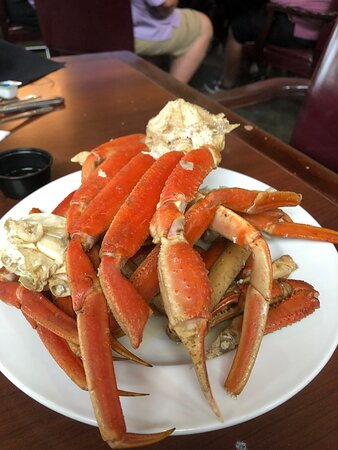 Crab legs especially good on this buffet.