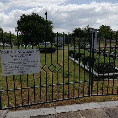 Cmentarz Wojenny Z Ii Wojny Swiatowej W Klukach