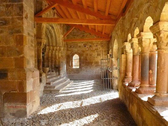 https://lasrutasdemaykayvivi.blogspot.com/2021/04/pineda-de-la-sierra-burgos-entre-los.html Pineda de la Sierra (Burgos)