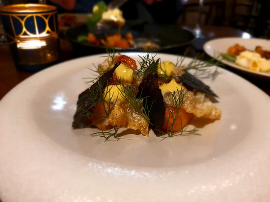 Tripadvisor - Salmon, Tuna, Chicken, Potatoes, Broccoli - صورة Kika، واناكا