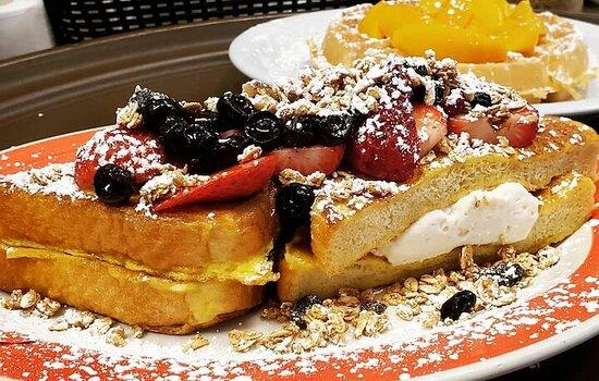 Carol Stream, IL: Mapleberry Pancake House and Bistro Bar