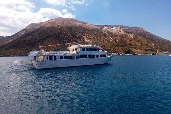Boat Tour on 3 Islands of the Aeolian Archipelago from Milazzo