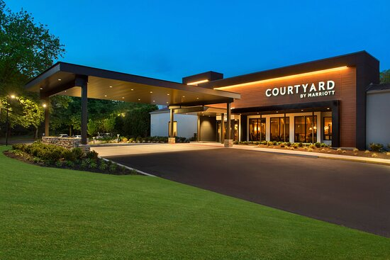 Courtyard Lincroft Red Bank