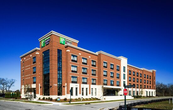 Holiday Inn Express & Suites Franklin Berry Farms
