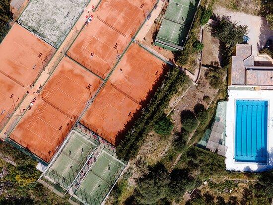 Σόλερ, Ισπανία: http://www.tenispadelsoller.com/el-club/