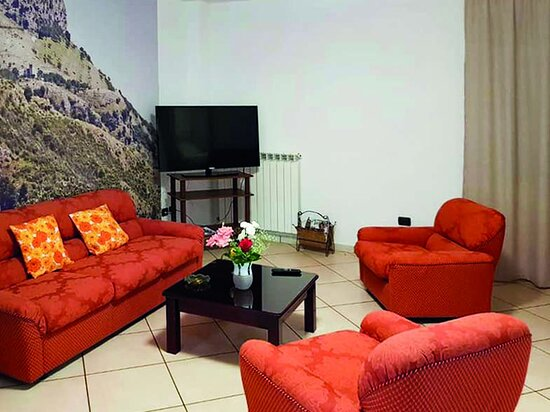 Cilento and Vallo di Diano National Park, Italien: Soggiorno con tutti i confort presente in uno dei nostri appartamenti