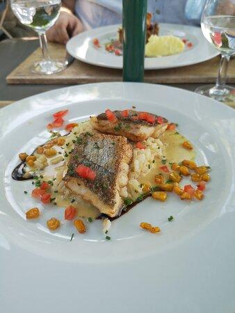 Foto de Restaurant Les Remparts, Venasque: Excellent food and great view! - Tripadvisor