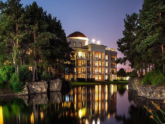The Royal Kelowna - Bellstar Hotels & Resorts