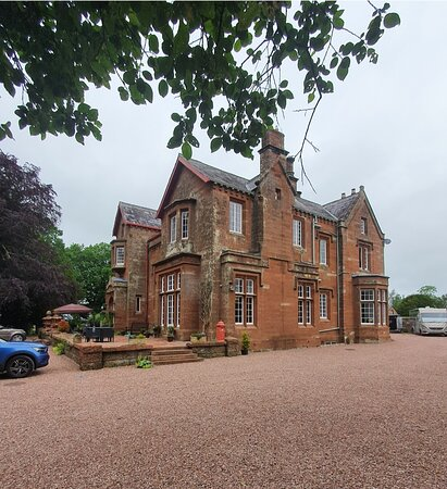 Gorgeous property, lovely staff and great location
