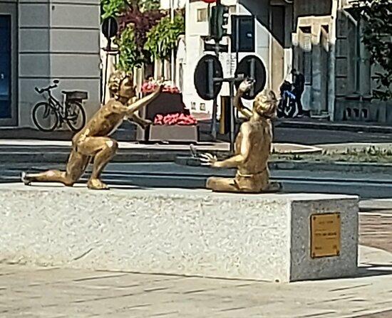 """Monumento """"Putti Che Giocano"""""""