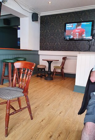 Frank's Bar Smithdown Road.