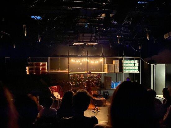 MOÑ  Theater Platform