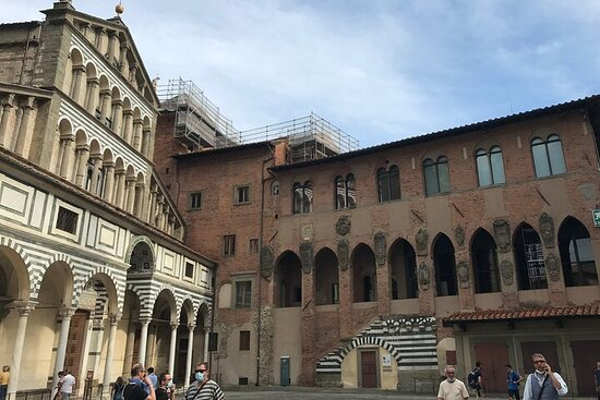 Private Walking Tour of Pistoia in Tuscany