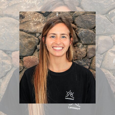 MEET THE TEAM 👌🏼  This is Fiorella! She is already with us for more than 3 years in our Yoga & Massage Centre. A Relaxing, Therapeutic or Sport massage, she knows how to do it! It is a gift for body and soul, especially after surf.  - Do you need massage? - ✨🙏🏼💆🏻♀️💚👌🏼  Aloha, Namaste 𝗟𝗮𝗻𝘇𝗮𝘀𝘂𝗿𝗳 𝗦𝘂𝗿𝗳 & 𝗬𝗼𝗴𝗮 𝗖𝗮𝗺𝗽𝘀 𝗟𝗮𝗻𝘇𝗮𝗿𝗼𝘁𝗲, 𝗖𝗮𝗻𝗮𝗿𝘆 𝗜𝘀𝗹𝗮𝗻𝗱𝘀