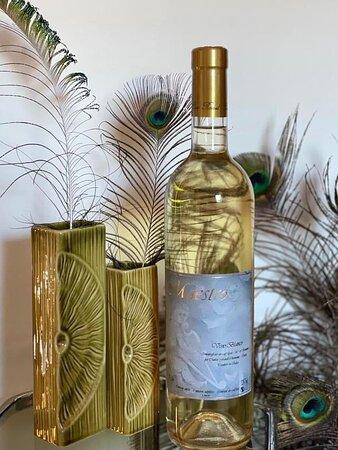 🇮🇹 Vino bianco Baratuciat di Chiomonte in Val di Susa. 🇫🇷 Vin blanc cépage Baratuciat de Chiomonte en Vallée de Suse.