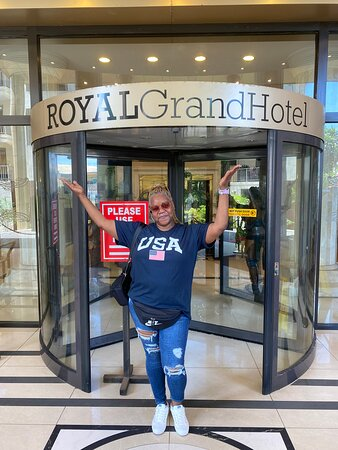 Royal Grand Hotel Review   Meeting my friends family that lives in America  My first trip out of the USA