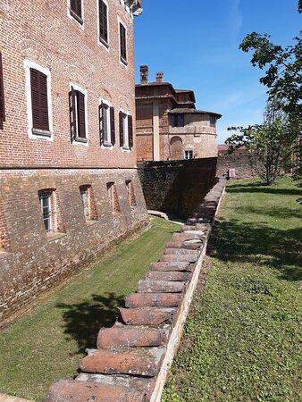 Castello di Chignolo Po.
