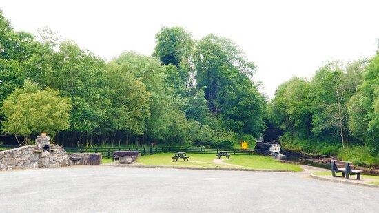 County Leitrim, Ireland: Car Park & Picnic Area