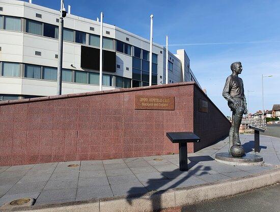 Jimmy Armfield Statue