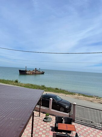 Great location with the shipwreck and really nice people