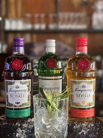 Mit 🍸TANQUERAY GIN🍸bieten wir eine vielfalt  von Aperitivos, Longdrinks & Cocktails an #tanqueraygin #blackquran #gin #zwanzig20saarburg #longdrinks #aperitivos #cocktails #trier #2020 #saarburg