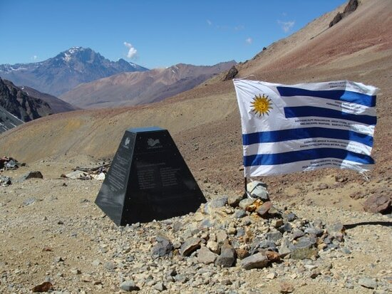 El Sosneado, Argentina: Monolito del Avion, experiencia unica e inolvidable