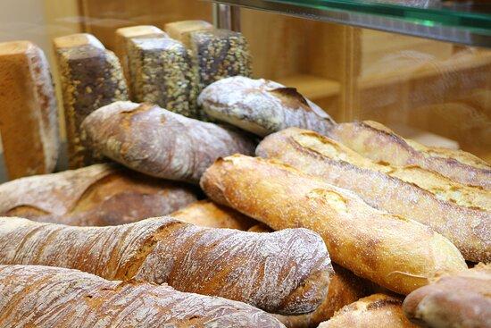 Lascazeres, França: La boulangerie ouverte du Mercredi au dimanche de 08h00 à 20h00