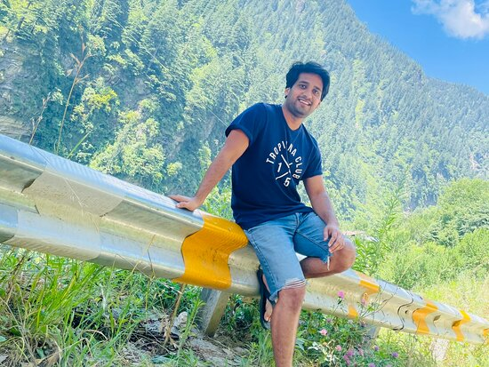 Manali trip from Delhi.  HighQ Manali add some more good vibes to the mountain beauty. Food was awesome.