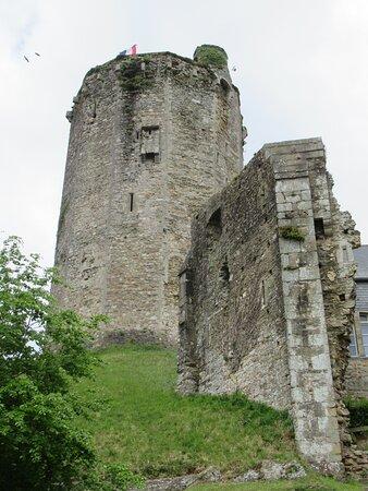 Bricquebec-en-Cotentin, Fransa: donjon du château de Bricquebec